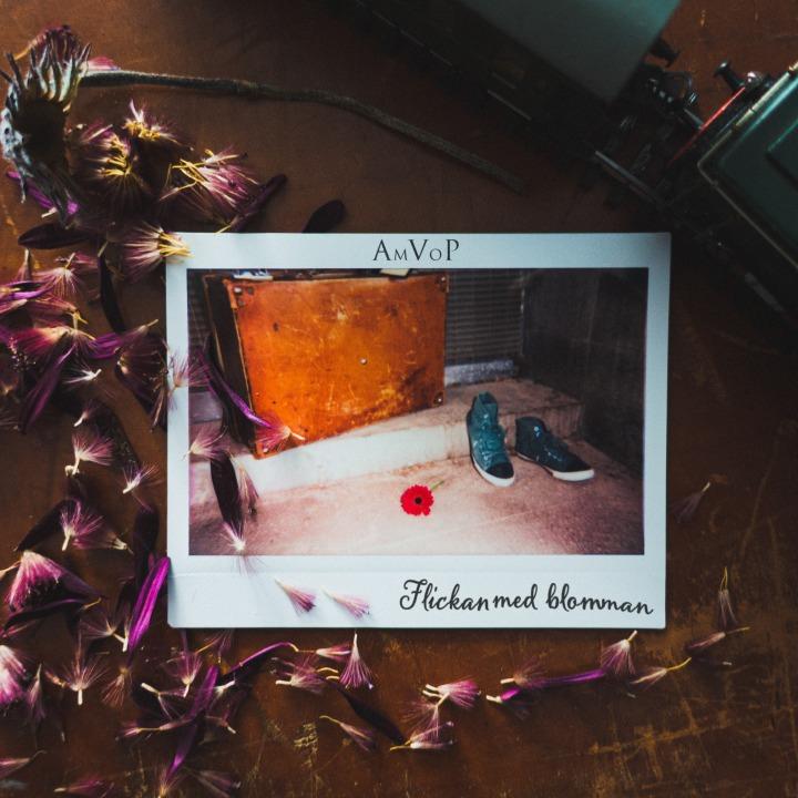 Coverart, AmVoP - Flickan med blomman